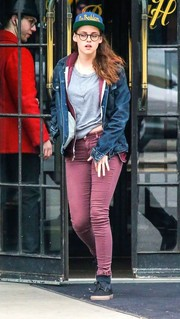 Kristen Stewart paired her jacket with burgundy skinny jeans by J Brand.