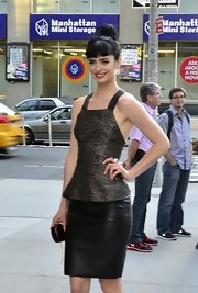 Krysten Ritter was spotted in NYC wearing a pair of teardrop crystal earrings.