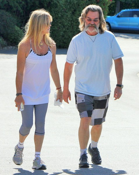 Goldie Hawn & Kurt Russell Out For A Walk In Brentwood