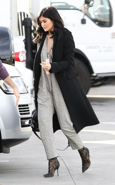 Kylie Jenner Ankle Boots [clothing,street fashion,fashion,outerwear,footwear,snapshot,coat,leg,fashion model,boot,kylie jenner,kourtney kardashian,sean p. diddy combs,fashion,street fashion,coat,clothing,studio,california,van nuys,kylie jenner,keeping up with the kardashians,coat,looks,celebrity,socialite,model,fashion,blazer]