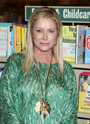 Kathy Hilton looked oh-so-youthful with this long straight cut at La Toya Jackson's book signing.