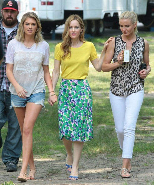 Leslie Mann Knee Length Skirt