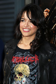 Michelle Rodriguez showed off her shoulder length curls while hitting the premiere of 'Machete'.