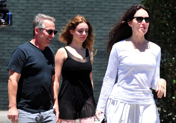 Madeleine Stowe And Family Out For Lunch In Brentwood