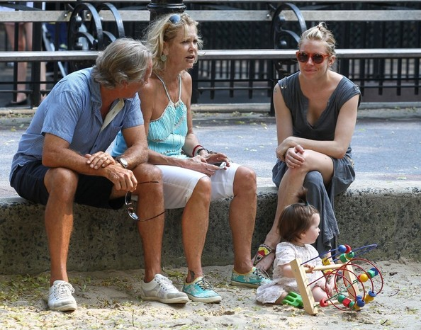 Sienna Miller Takes Her Daughter to the Park