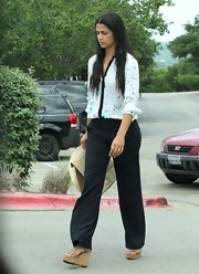 Camila Alves stepped out for lunch with her family wearing a pair of tan leather wedges with cork heels.