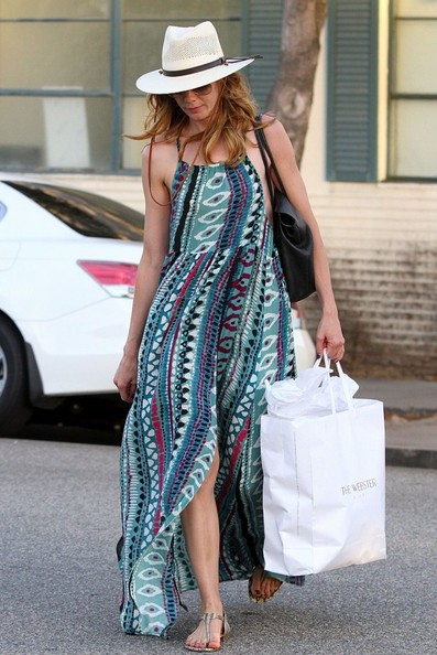 More Pics of Michelle Monaghan Thong Sandals (1 of 6) - Michelle Monaghan Lookbook - StyleBistro