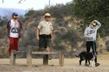 Miley Cyrus Billy Ray Cyrus Miley Cyrus Goes Hiking with Her Dad