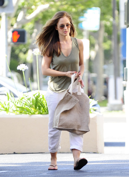 More Pics of Minka Kelly Canvas Tote (1 of 9) - Canvas Tote Lookbook - StyleBistro