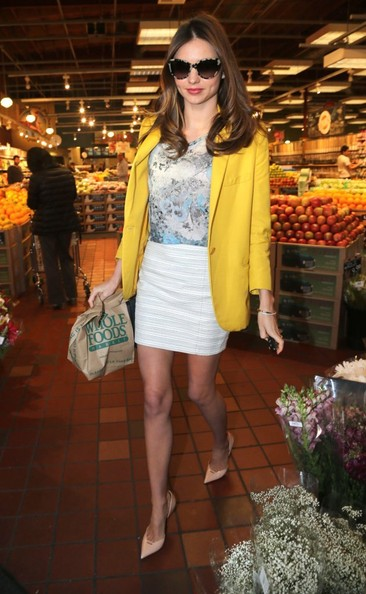 Miranda Kerr Grocery Shopping At Whole Foods