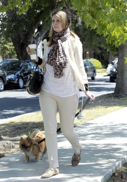 More Pics of Mischa Barton Patterned Scarf (1 of 33) - Patterned Scarf Lookbook - StyleBistro