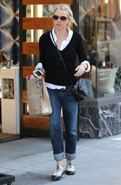 More Pics of Naomi Watts Boyfriend Jeans (5 of 31) - Naomi Watts Lookbook - StyleBistro