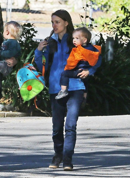 Natalie Portman Brings Aleph To A Play Date