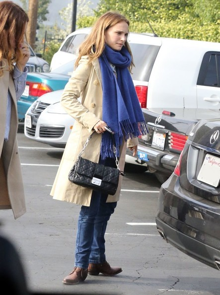 More Pics of Natalie Portman Skinny Jeans (1 of 38) - Skinny Jeans Lookbook - StyleBistro