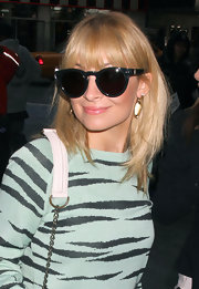 Nicole Richie arrived at VH1 'Morning Buzz' wearing a sheer shimmering pink lipstick.