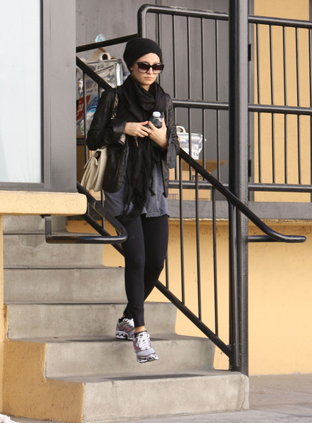 More Pics of Nicole Richie Square Sunglasses (1 of 8) - Nicole Richie Lookbook - StyleBistro