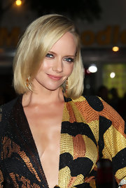 Marley Shelton wore her classic bob straight at sleek at the 'What's Your Number' premiere. She created a deep side part and curled hair ends under slightly.