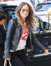 Olivia Wilde stepped out on a sunny day wearing chic mirrored aviators.