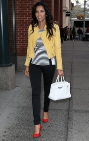 Padma Lakshmi finished off her look in luxe style with a white Hermes Birkin.