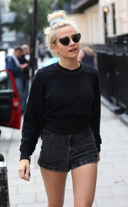 Pixie Lott made her way to the Haymarket Theater wearing an adorable pair of heart sunglasses.