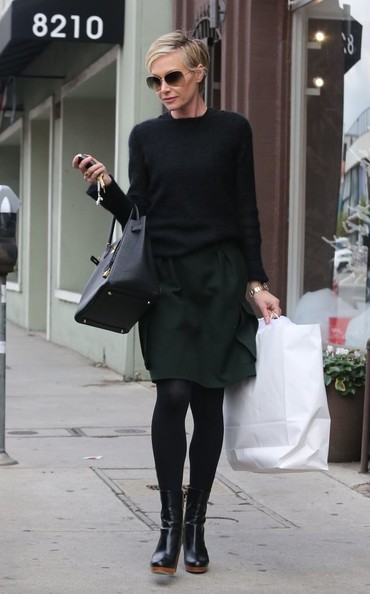 Try Chic Dark Layers Like Portia de Rossi