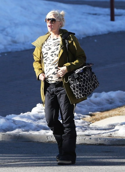 Gwen Stefani looked just like a regular girl wearing casual clothes and carrying a canvas messenger bag while vacationing in Mammoth.