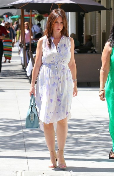 Jennifer Love Hewitt Clothes November 2017