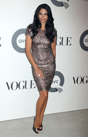 Camila Alves looked glamorous at the QVC 25 to Watch party with slightly side-parted waves.