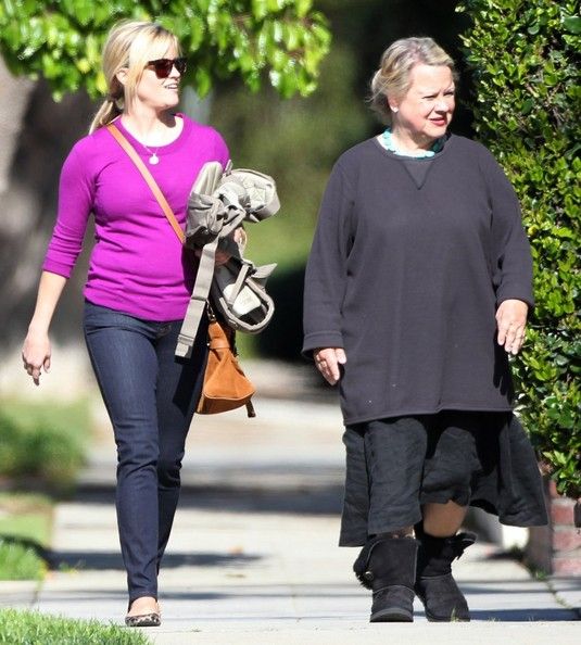 More Pics of Reese Witherspoon Skinny Jeans (1 of 19) - Reese Witherspoon Lookbook - StyleBistro