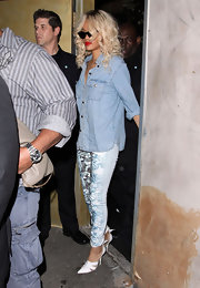 Rihanna went out for a night of clubbing in Hollywood wearing a pair of delicate white pointy toe pumps.