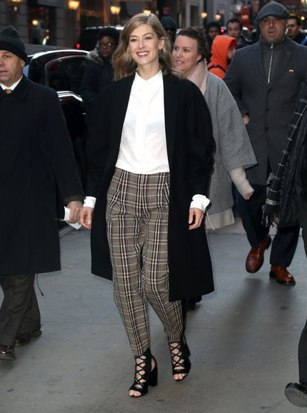 Rosamund Pike Print Pants