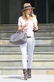 Rose Huntington-Whiteley chose a patterned skinny jean to add some texture and fun to her casual daytime look.
