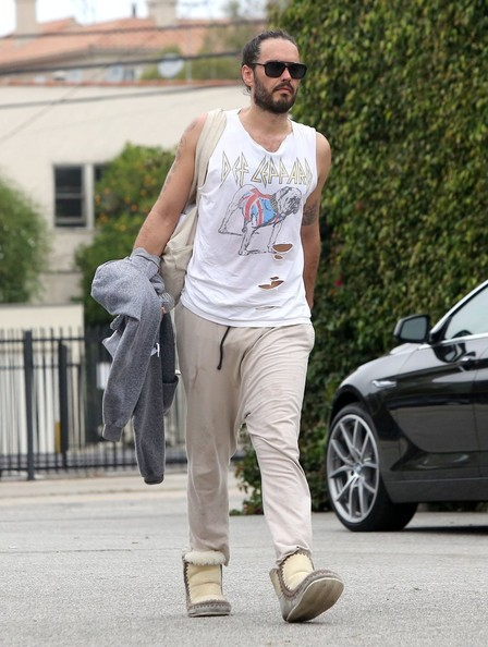 More Pics of Russell Brand Sports Pants (1 of 15) - Russell Brand Lookbook - StyleBistro []