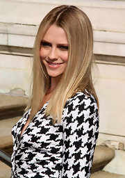 Teresa Palmer is known for experimenting with her hairstyle, but the actress opted for simplicity with a center part straight cut.