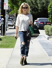 Sarah Michelle Gellar chose a casual ripped jean for her cool daytime ensemble.
