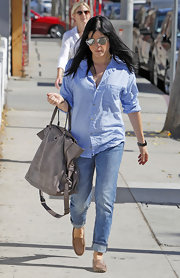 Selma Blair ran errands in a pair of cuffed boyfriend jeans and a striped blue button down shirt.