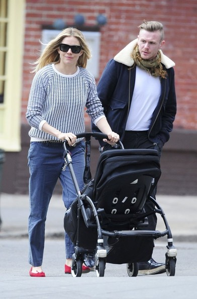 More Pics of Sienna Miller Square Sunglasses (3 of 7) - Sienna Miller Lookbook - StyleBistro