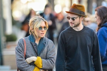 Sienna Miller Tom Sturridge Sienna Miller & Tom Sturridge Spotted Out In New York