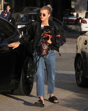 Black slide sandals completed Sofia Richie's casual look.