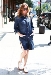 Stella McCartney kept it relaxed yet chic in a denim shirtdress while out and about in New York City.