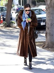 Tallulah Willis really brought the glam on her walk with a long fur coat.