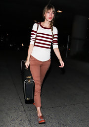 T.Swift was impossibly adorable in flat oxfords with cognac detailing.