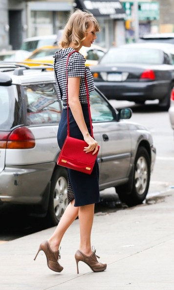 More Pics of Taylor Swift Brogues (1 of 12) - Taylor Swift Lookbook - StyleBistro