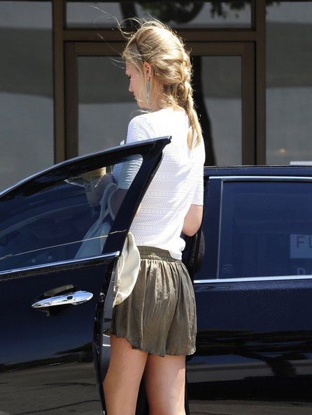 More Pics of Toni Garrn Sports Shorts (1 of 17) - Toni Garrn Lookbook - StyleBistro