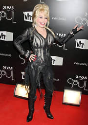 Dolly was the ultimate diva on the red carpet of the VHI Diva's event in her custom black leather fringe dress.