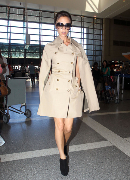 More Pics of Victoria Beckham Trenchcoat (1 of 8) - Trenchcoat Lookbook - StyleBistro