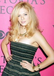 Rachelle Lefevre wore her blond locks with lots of volume and waves at the 2011 Victoria's Secret Fashion Show.