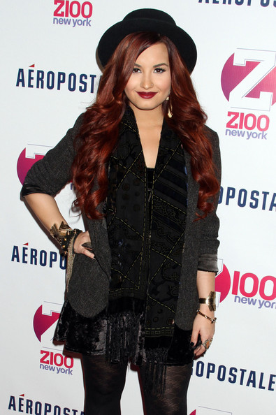 More Pics of Demi Lovato Patterned Scarf (1 of 6) - Demi Lovato Lookbook - StyleBistro