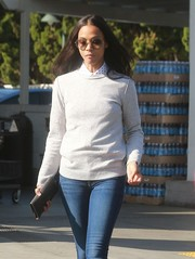 Zoe Saldana went grocery shopping looking cute in oversized round sunglasses.