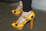 Melinda McGraw showed her quirky side when she sported these yellow and black polka dot platform pumps.